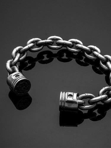 PISTON CHAIN BANGLE